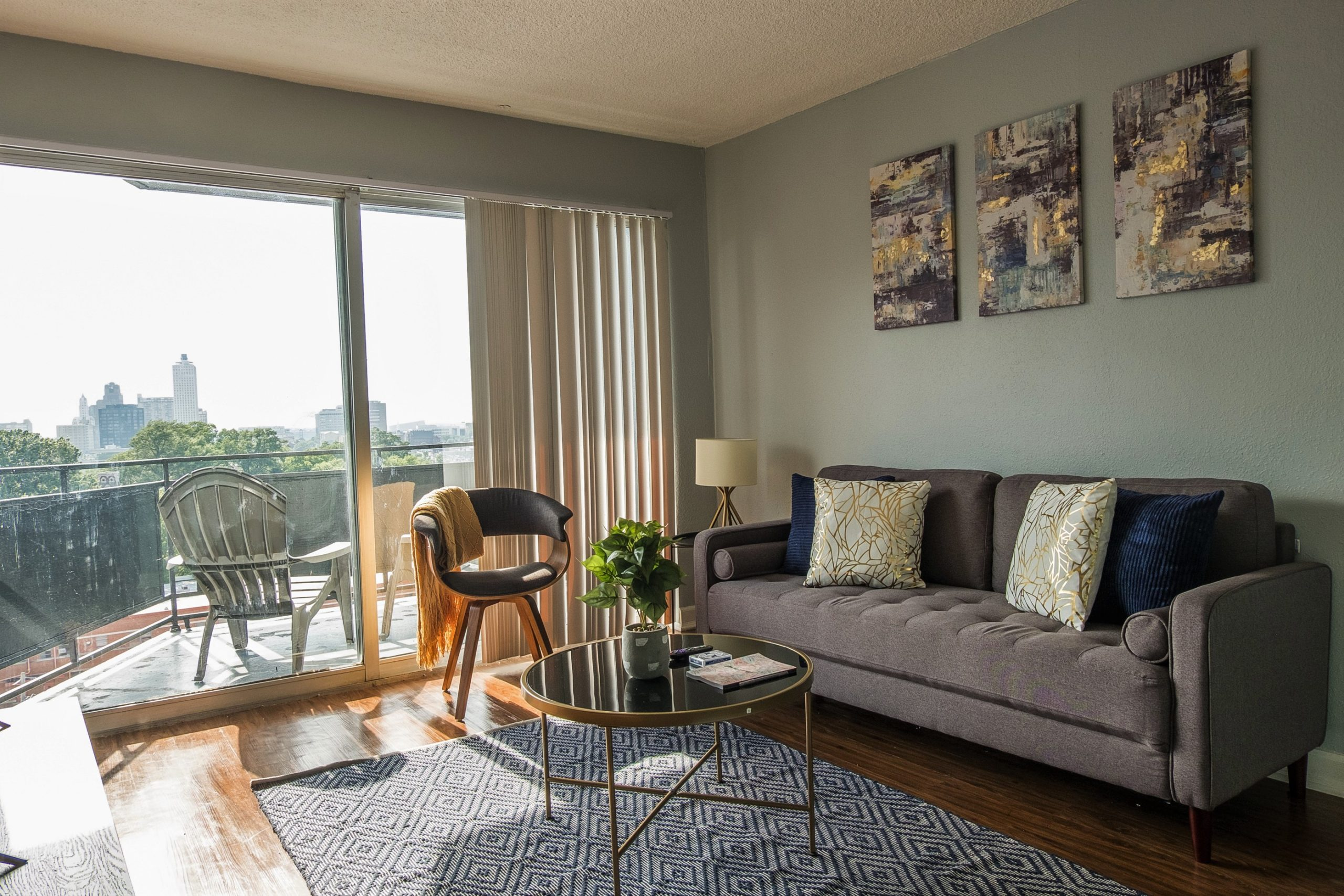 Light and Airy 2BR Apt