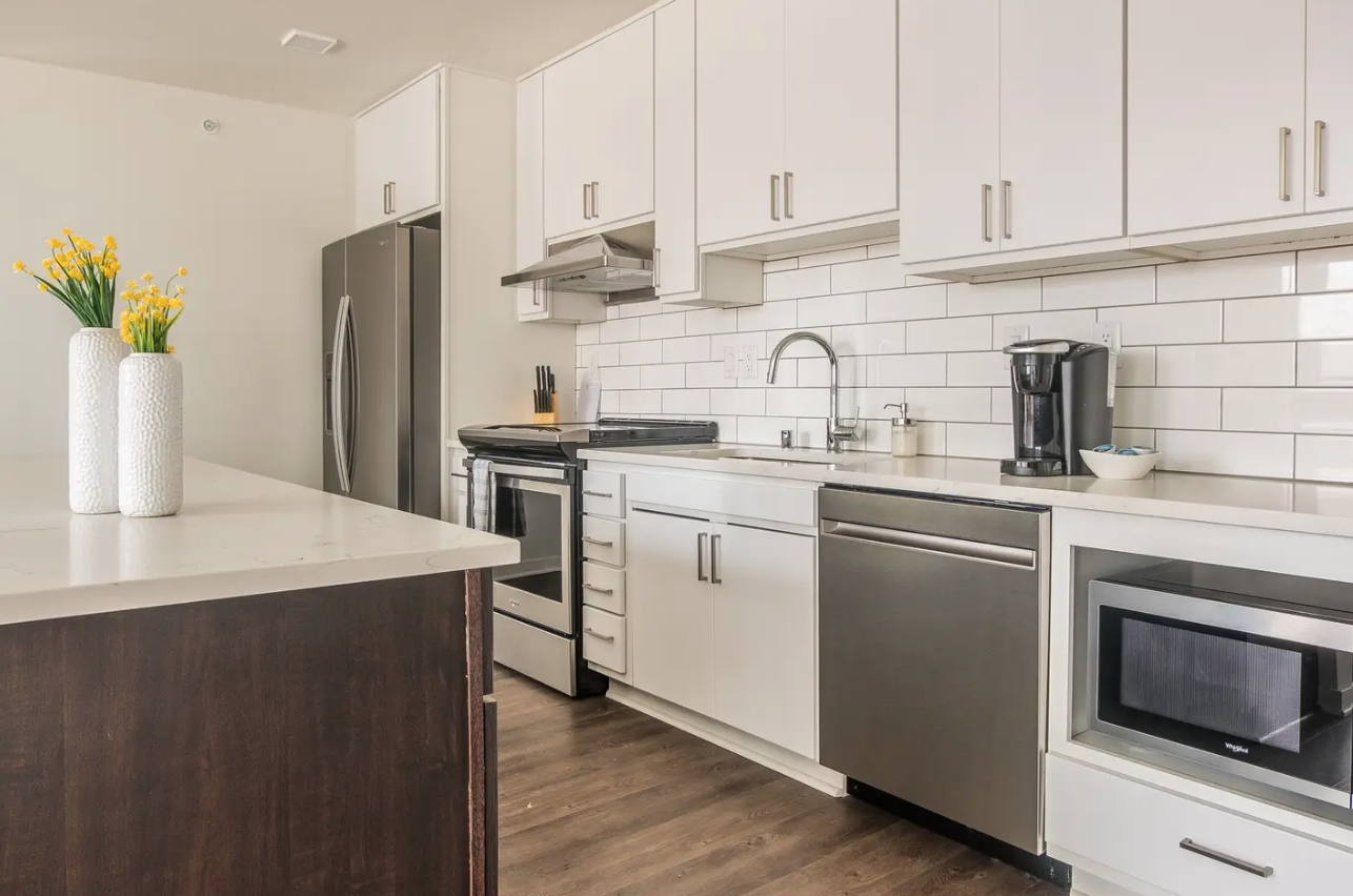 Chic 2BR Apt for DNC in Milwaukee, WI